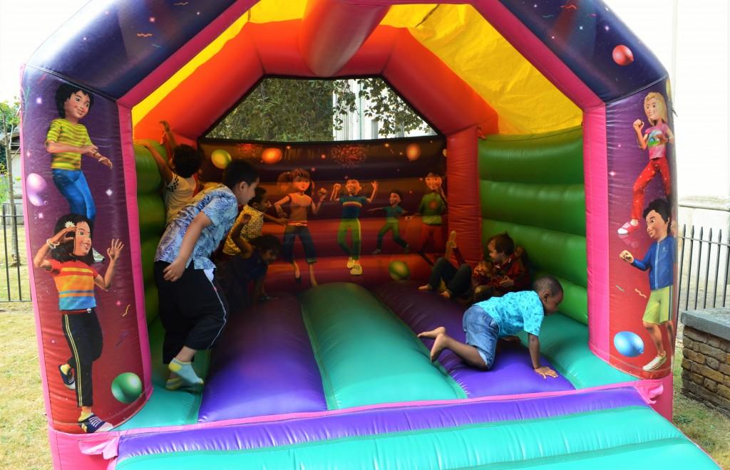 bouncy-castle-1024x660